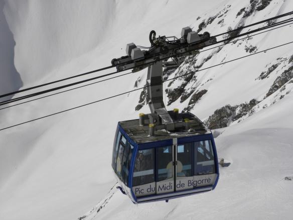La montée au Pic du Midi avec la télécabine.